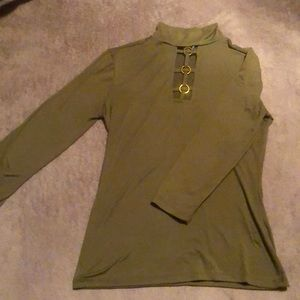 Form Fitting Olive Top!